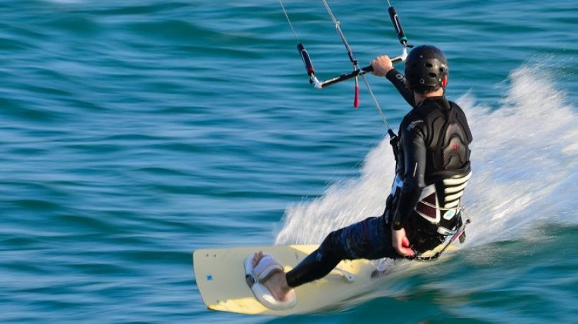 How does kitesurfing work? Advice and Tricks