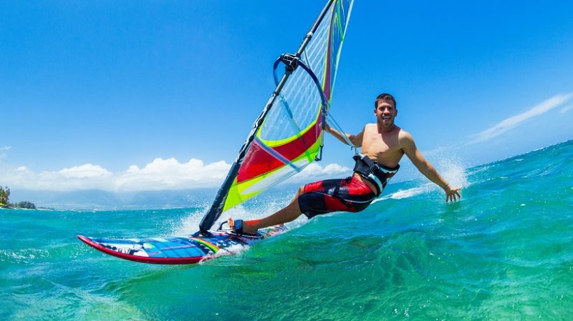 What is windsurfing? Tips for windsurfing
