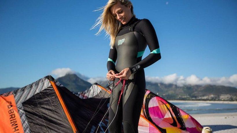 How do I choose a wetsuit for kitesurfing?